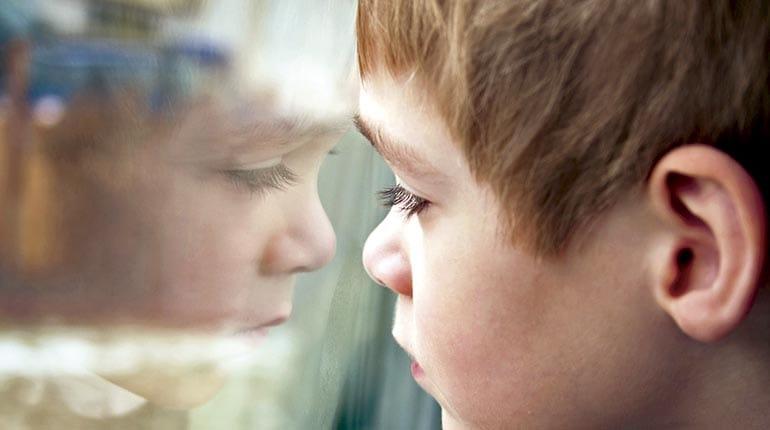 VIDEO – Niño con autismo explica cómo vive su condición